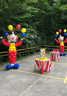 clown balloon decorations for themed parties in Mount Albert, Beeton, Barrie, Keswick, Georgina, Markham