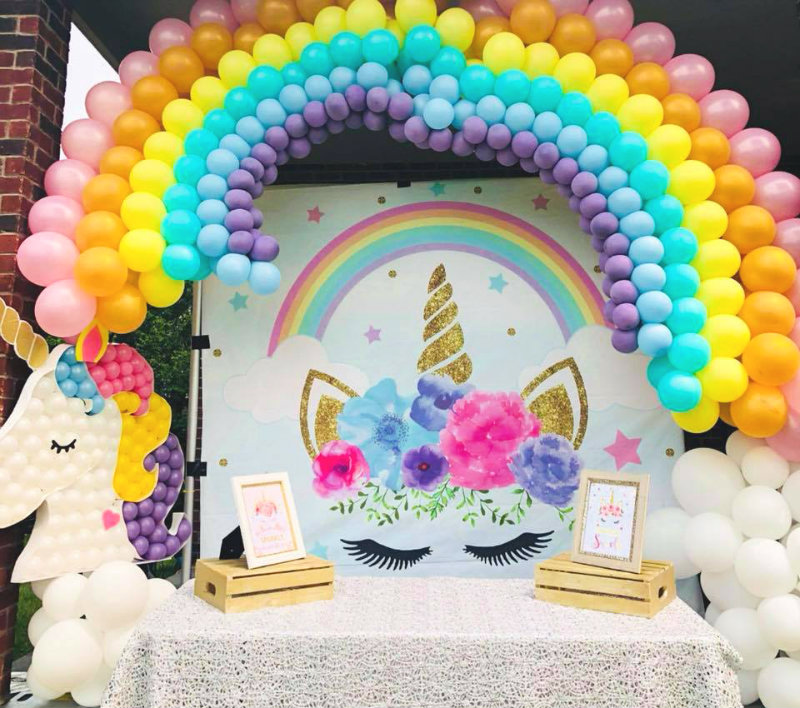 balloon decorations for a unicorn themed party